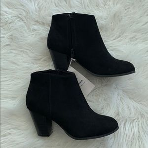 Brand new Old navy black booties